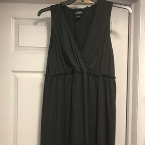 Black Maternity Dress.  MUST BUNDLE